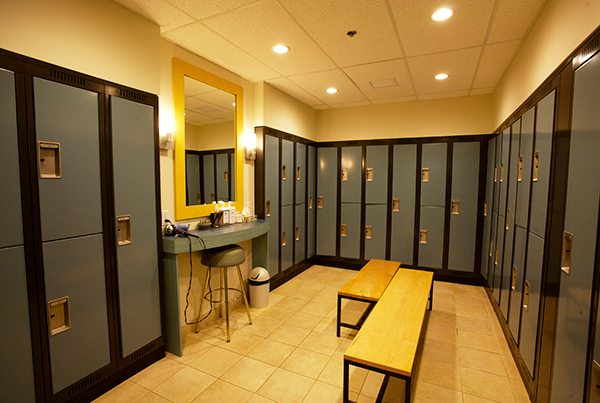 comfortable-gym-locker-rooms-in-pickering
